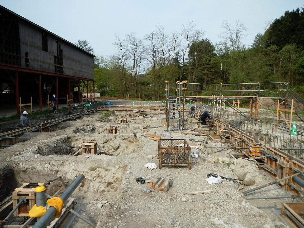 牛舎新築工事・型枠作業