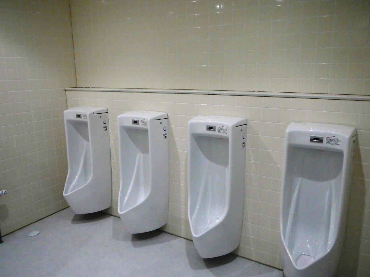 男子用トイレ