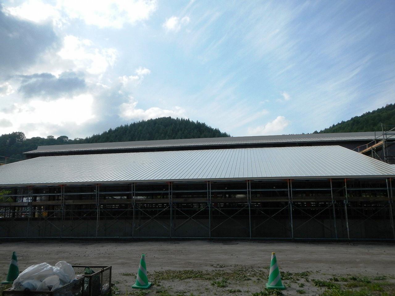 牛舎・屋根