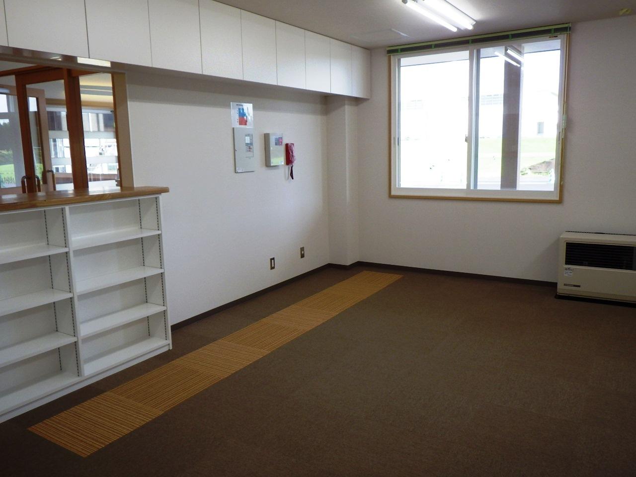 北の峯学園・事務室