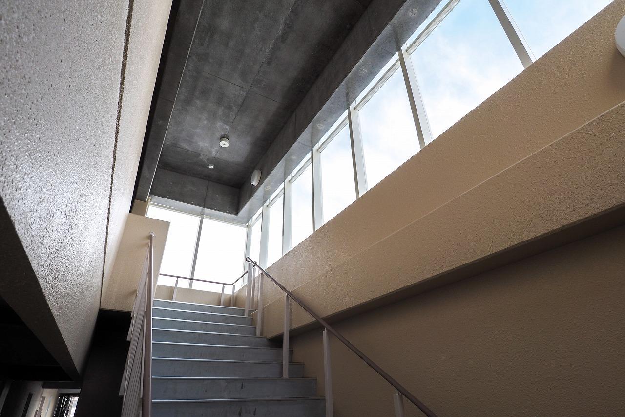 泉町南団地町営住宅・階段